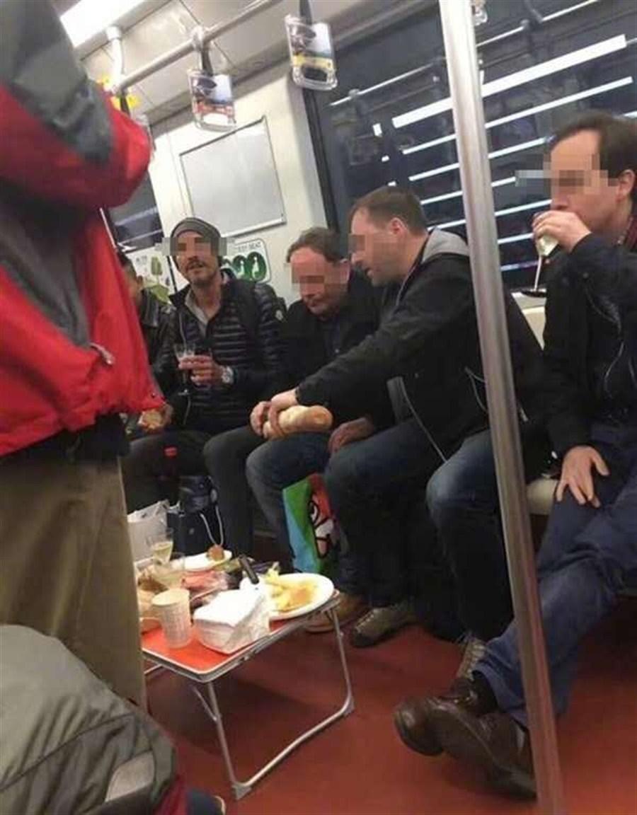 eten in metro